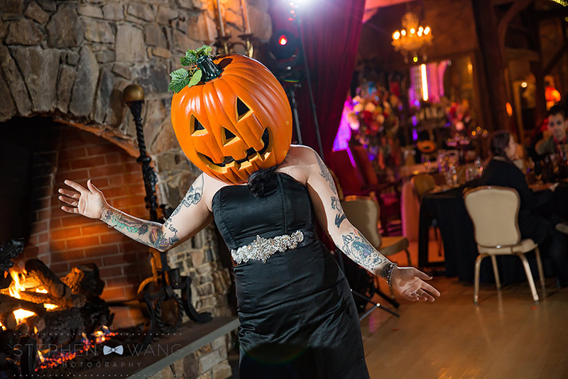 halloween_wedding_bill_millpers_castle_stephen_wang_photo52